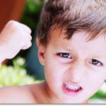 Почему ребенок дерется, кусается, отстает в развитии от сверстников? Как помочь?