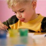 «Карапузы» — художники. Значение изобразительной деятельности в развитии детей раннего возраста. Ответы на вопросы. Советы психолога